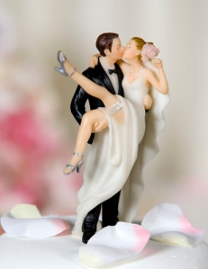 Super-fun and joyful kissing topper.  I love the energy!